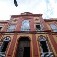 Biblioteca Pública do Amazonas tem portas abertas para 2ª edição da Feira de Troca de Livros e Gibis