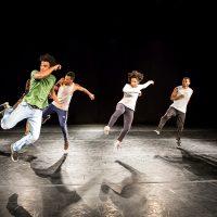 Evento Olho Nu – Cena Pública – Apresentação de performances de rua e espetáculo de hip hop/dança contemporânea – premiada Cia Híbrida do coreógrafo Renato Cruz – Largo de São Sebastião e Praia da Ponta Negra