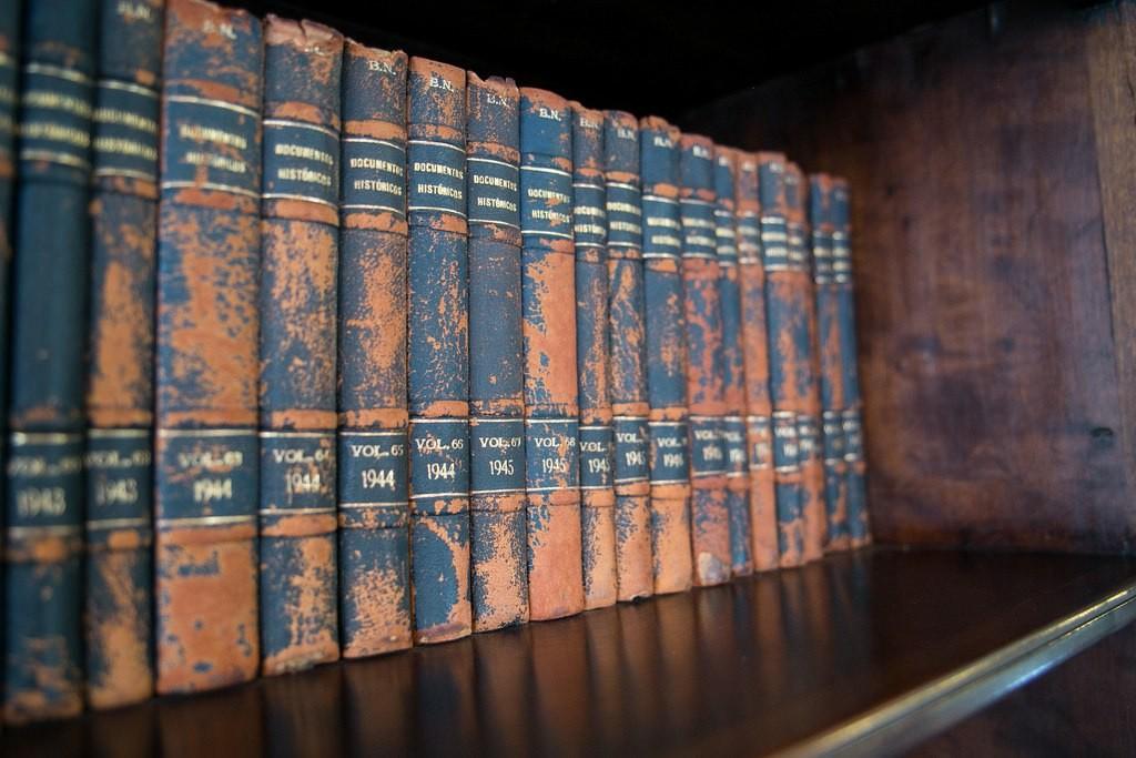 Livros do acervo da Biblioteca Nacional (Foto: Lia de Paula)